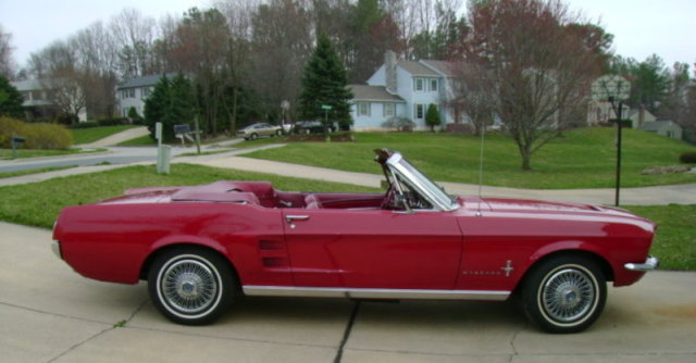 1967 ford mustang convertible side